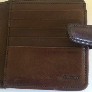 Coach Bags - vintage coach wallet british tas leather kisslock